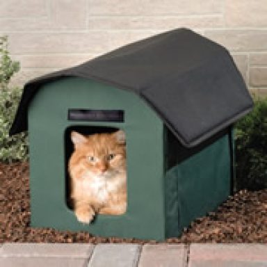 Heated Outdoor Cat House Bed