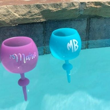 Personalized Floating Wine Glasses for the Pool and Sand from Gifter World
