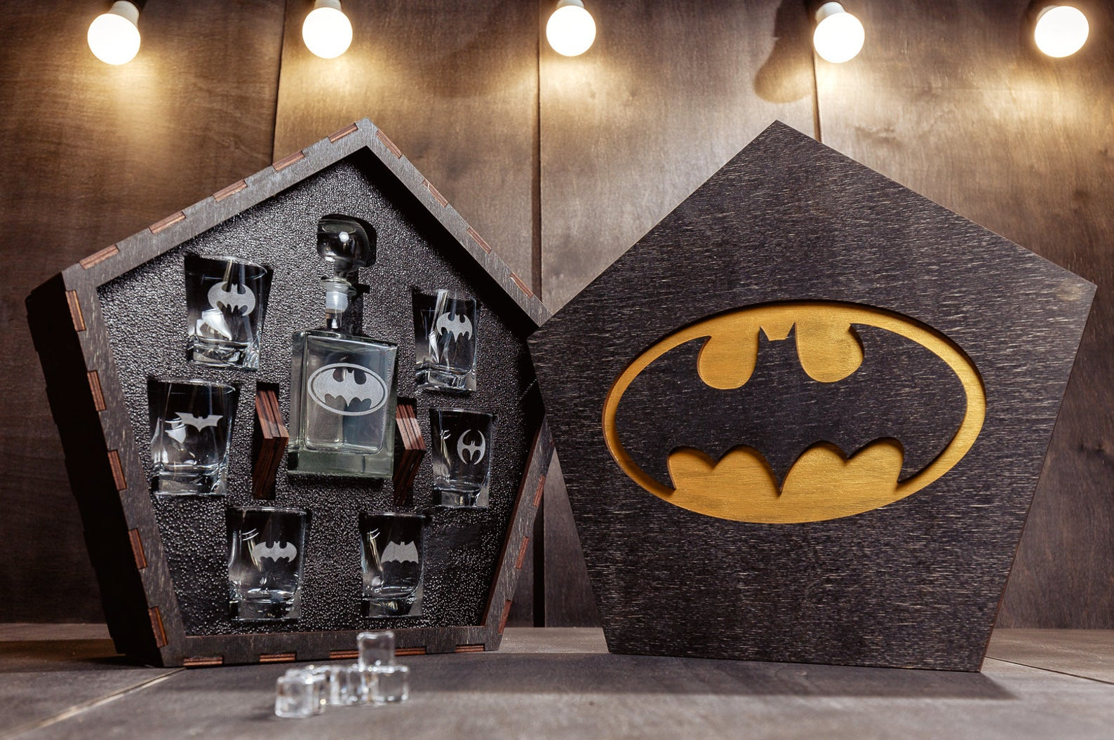 Batman Whiskey Decanter Set from Gifter World