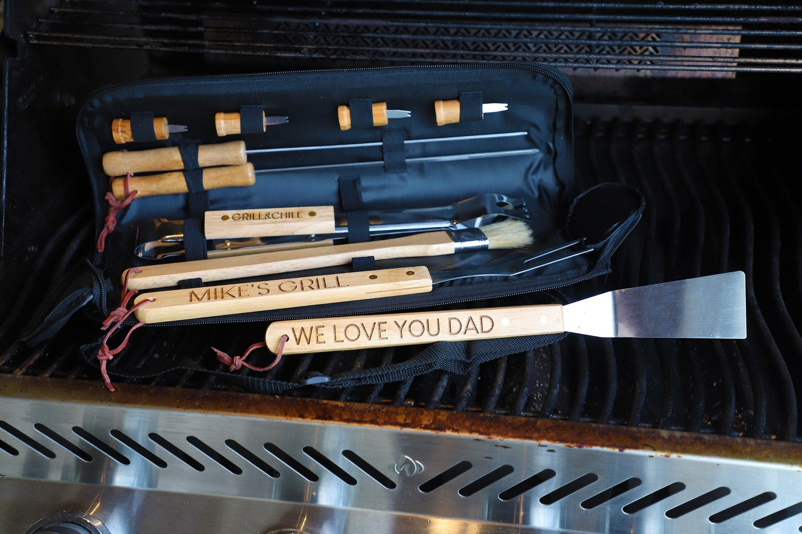 Personalized BBQ Set for Barbecue from Gifter World
