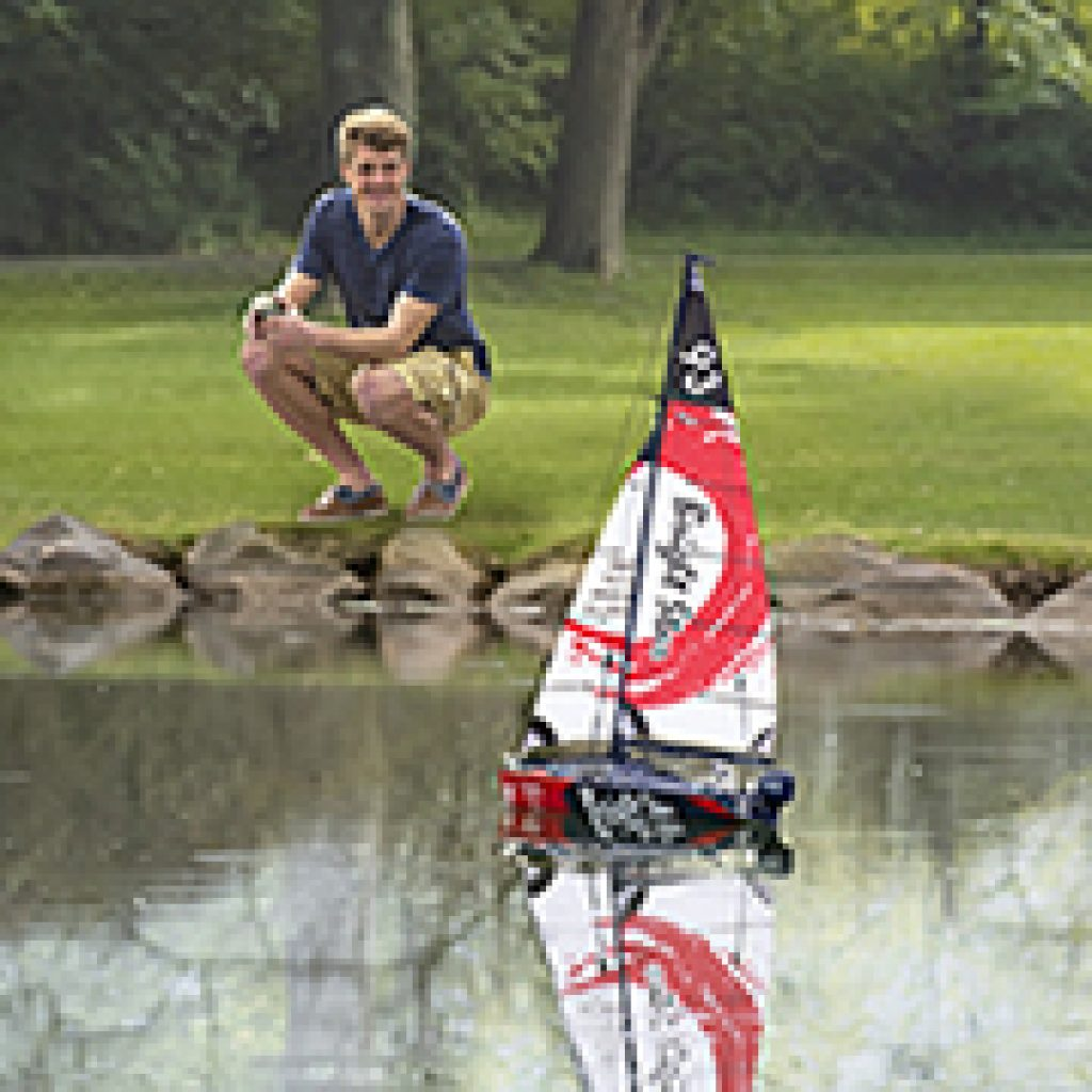 Motorized Sailboat and Best Tech Gifts for Teens by Gifter World