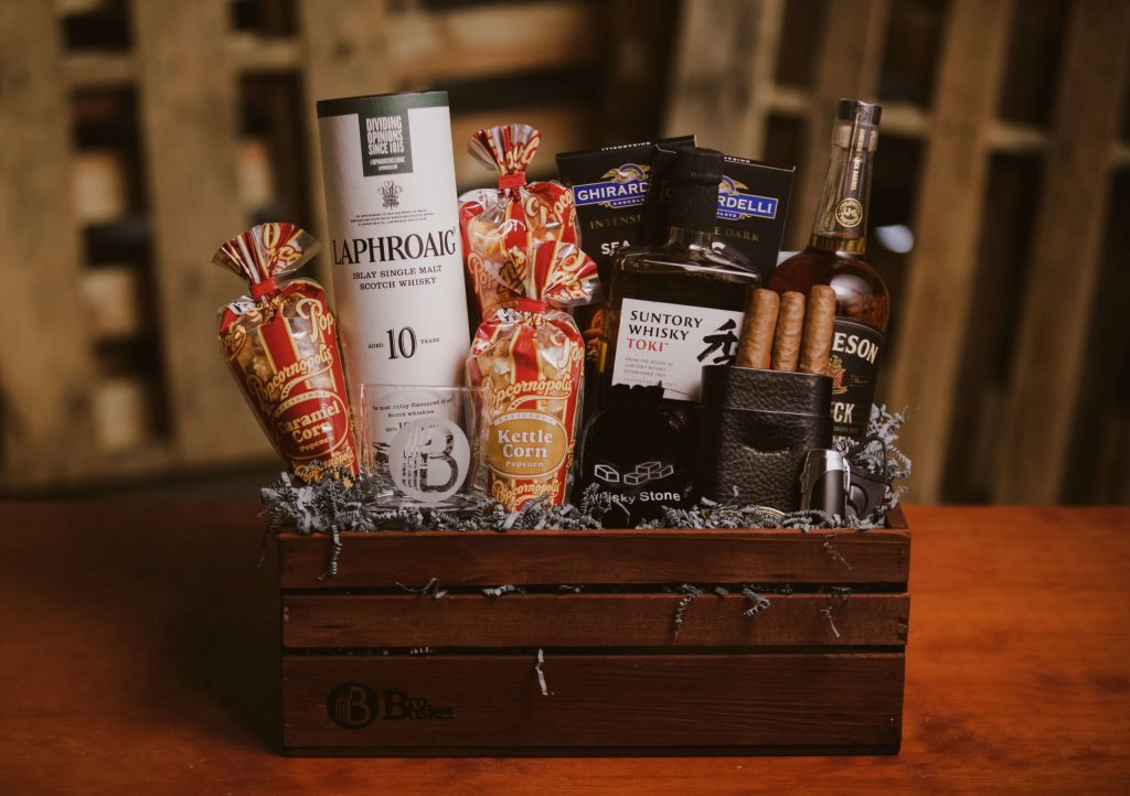 Booze Basket and the Best Hostess Gifts for Weekend Stay by Gifter World